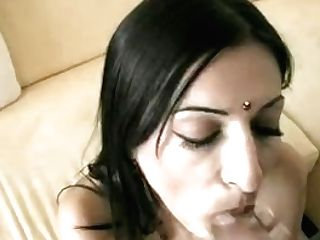Horny Indian Sucking Knob In Lounge